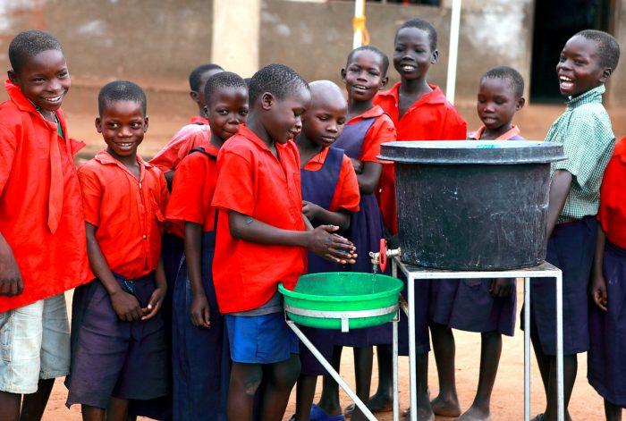 サラヤ_ウガンダ_手洗い